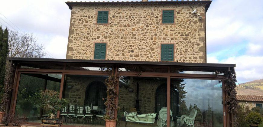 Manciano Casale in pietra 400mq con 2 ettari di terreno